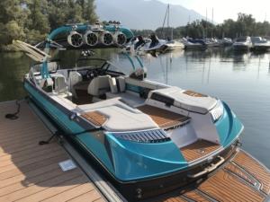 Noleggio barca da wakeboard sul Lago Maggiore