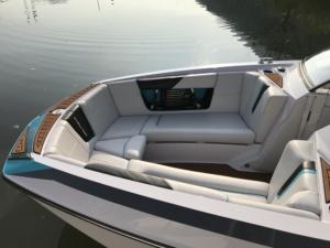 Wakeboard Boot mieten Ascona und Locarno